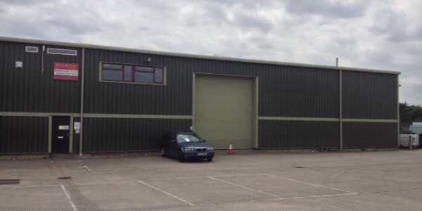Industrial unit to let Alconbury