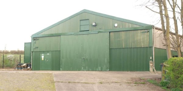 Cambridge industrial unit to let - Duxford