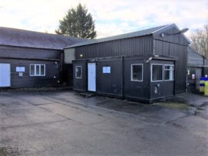 Industrial unit to let in Duxford