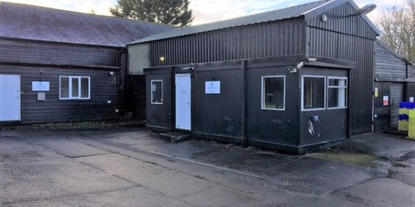 Industrial unit to let in Duxford, commercial property for rent in Cambridge, storage space for rent