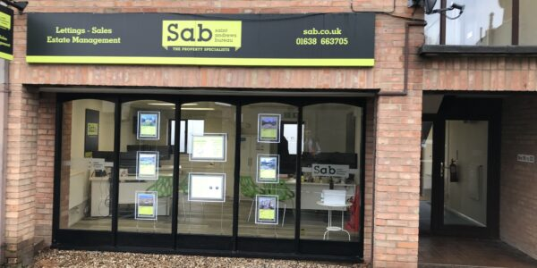 Small office to let in Newmarket